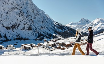 Arlberg: one of the top 5 ski-resorts worldwide! First Class Hotel at the ski-slope for sale.
