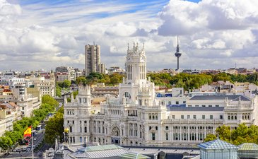 Madrid: 4 star hotel in the city centre to buy; PROFIT more than 10 % p.a.!