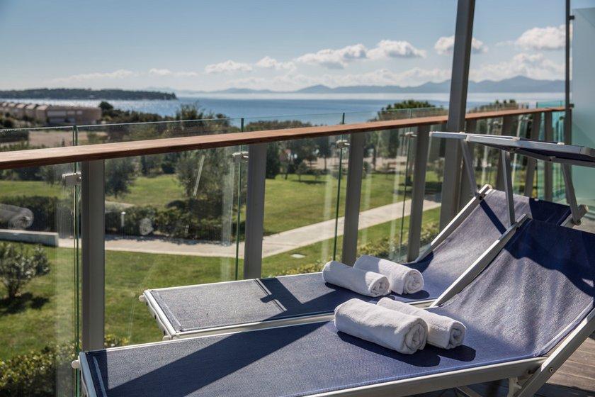 traumhafte ferien apartments zu kaufen hotelinvest immobilien gmbh. Black Bedroom Furniture Sets. Home Design Ideas