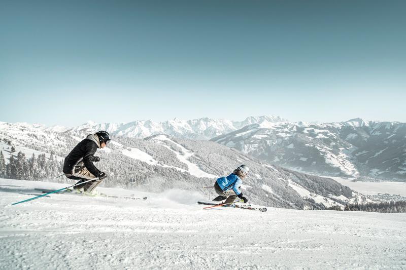 Schmitten - Skifahren mit Seeblick - © Zell am See-Kaprun Tourismus - http://zellamsee-kaprun.com