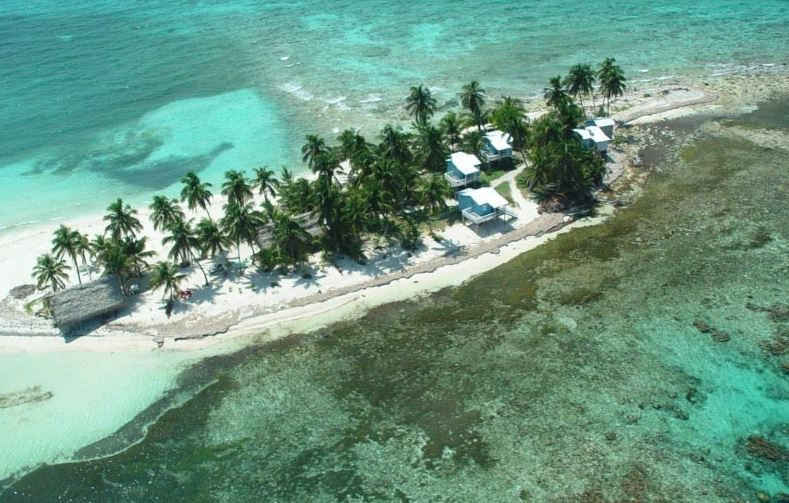 Kleine intime Insel in der Karibik